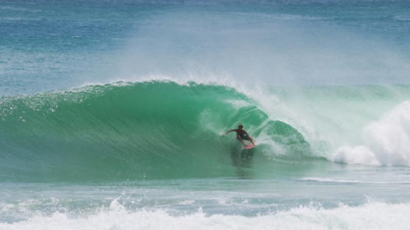 Un surfeur de 16 ans décède à la Barbade