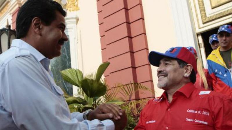 """Maradona s'offre comme """"soldat"""" à Nicolas Maduro """"pour un Venezuela libre"""""""