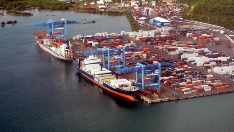 Il s 39 en passe de belles sur le port de fort de france montray kr yol - Le port de fort de france ...