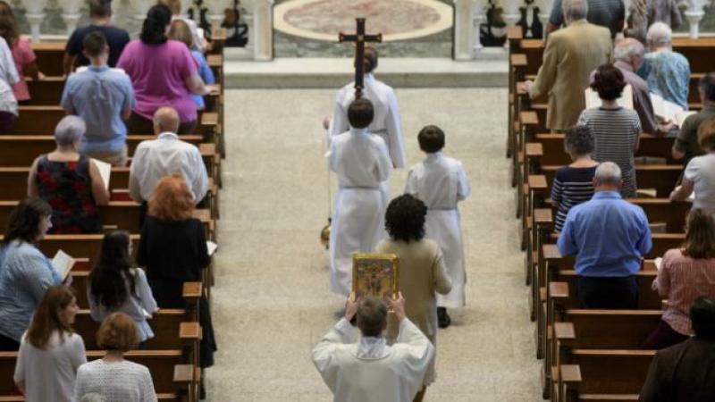 Un prêtre pédophile a été recommandé par son diocèse pour un job à DisneyWorld