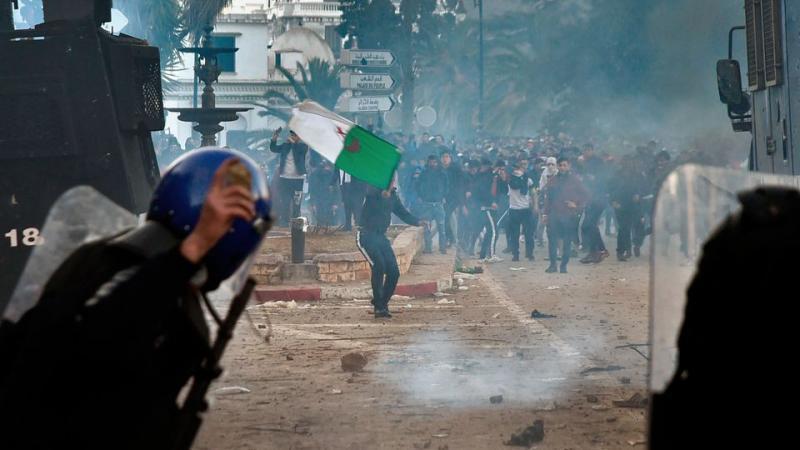 L'Algérie au bord de l'éclosion