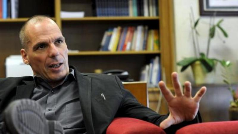 VAROUFAKIS: 'LO QUE HACEN CON GRECIA TIENE UN NOMBRE: TERRORISMO'