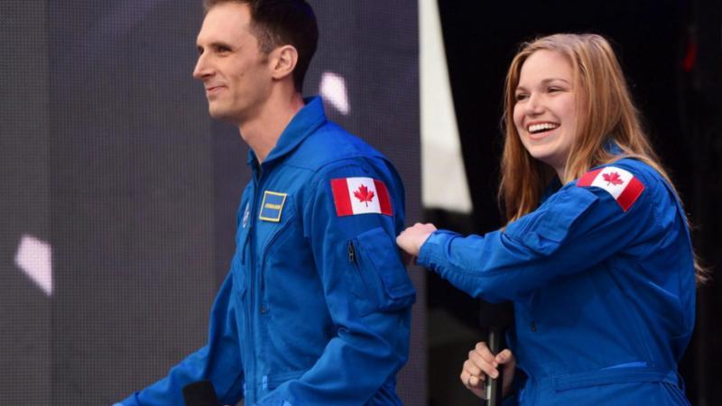 Deux Canadiens décrochent leur diplôme d'astronaute