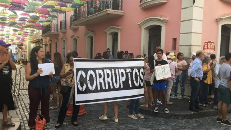 Manifestación frente a La Fortaleza