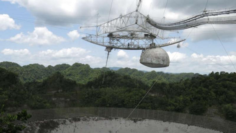 Un radiotélescope américain, essentiel à l'astronomie, menace de s'effondrer