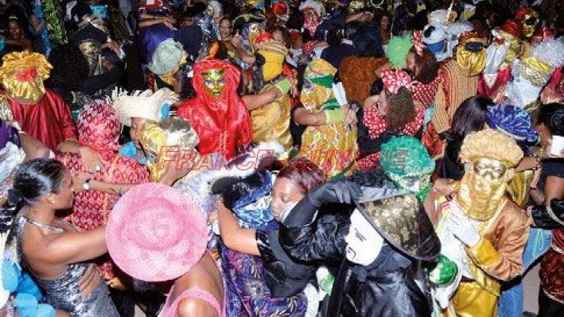 Politique à la Martinique : à quand la fin du bal masqué ?