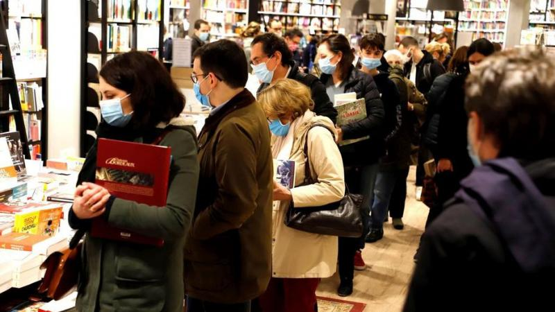 Veille de confinement : les Français se sont rués dans les librairies et les Martiniquais dans...