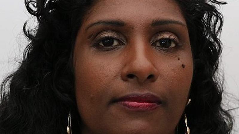 Maxette Pirbakas, député guadeloupéenne (Front National), vote contre la loi du Parlement européen reconnaissant l'esclavage comme un crime contre l'humanité