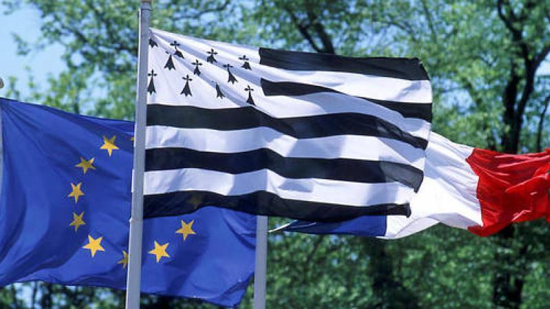 Bac 2018 : bravant l'interdiction, ils rédigent leur copie en breton