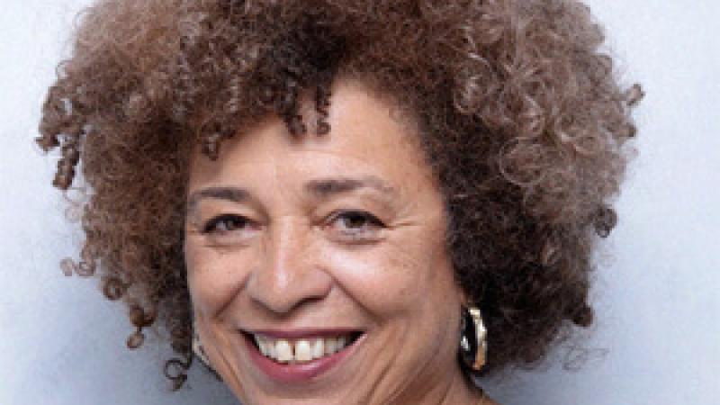 Angela Davis : « S'engager dans une démarche d'intersectionnalité »