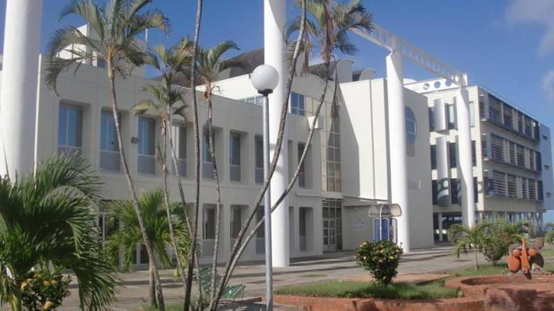 Echanges de courriers entre le président de l'Université des Antilles et la vice-présidente du Pôle Martinique