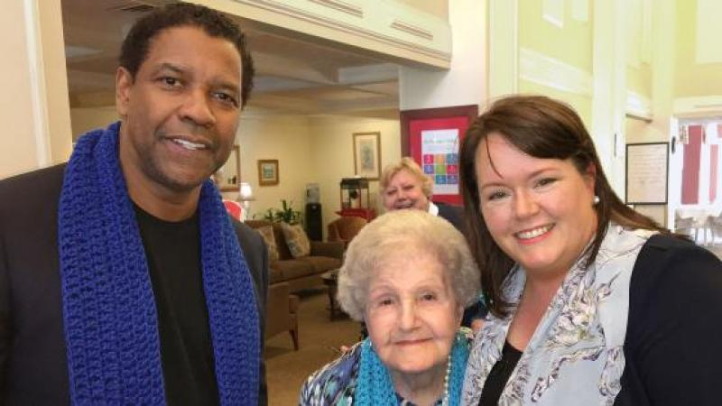 DENZEL WASHINGTON VISITS HIS CHILDHOOD LIBRARIAN TO WISH HER A HAPPY 99TH BIRTHDAY