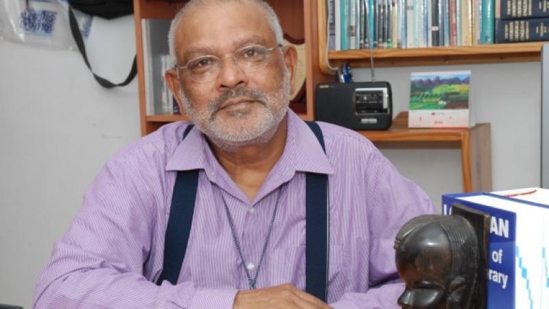 Dev Virahsawmy : pens down!