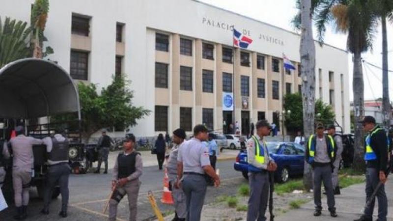 LES DOMINICAINS JETTENT EN PRISON LEURS 14 INCULPES QUI Y ONT PASSE LEUR 1ère NUIT