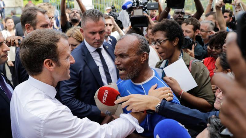 """Chlordécone: """"L'État doit prendre sa part de responsabilité"""" dit Macron"""