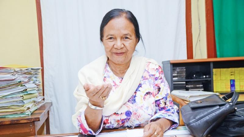 """Esther Randriamamonjy """"Tsy misy afa-tsy ny Teny malagasy no hahafahan'ny Malagasy mivoatra"""""""