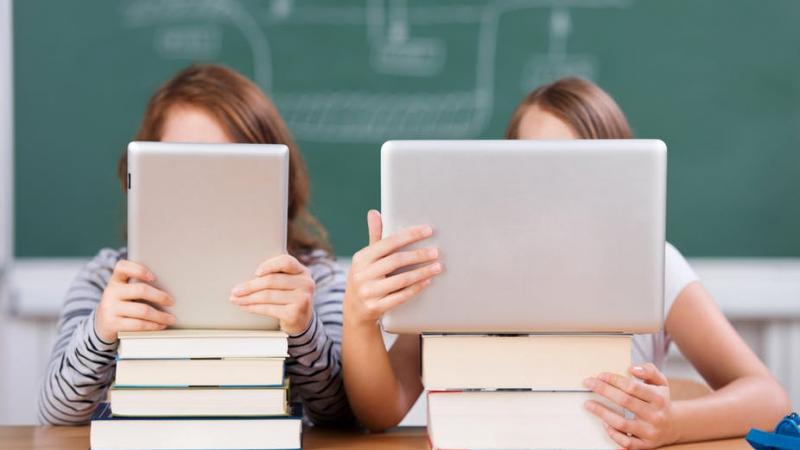 Lire sur papier, lire sur écran : en quoi est-ce différent ?