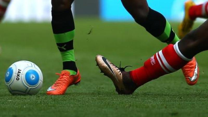 Le football est coupable de notre décervelage