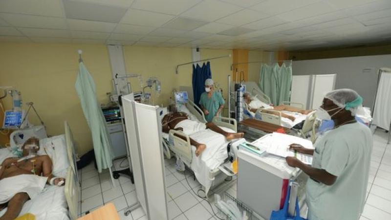 Guadeloupe, les hôpitaux en état de siège