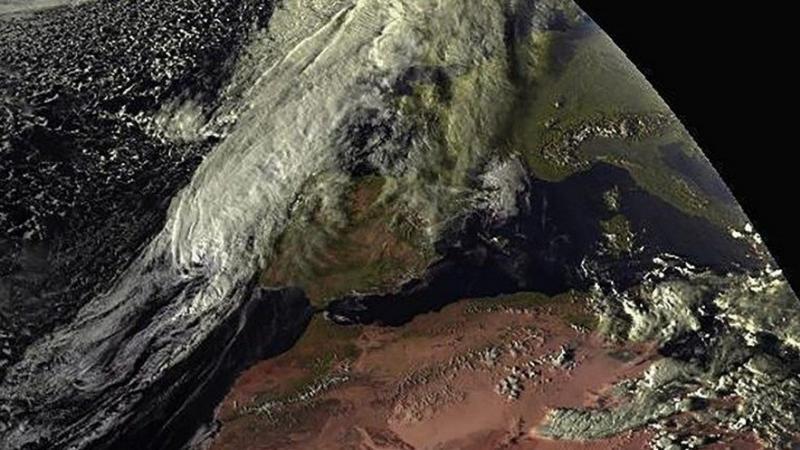 """L'ouragan """"zombie"""" Leslie s'abat sur le Portugal et l'Espagne"""