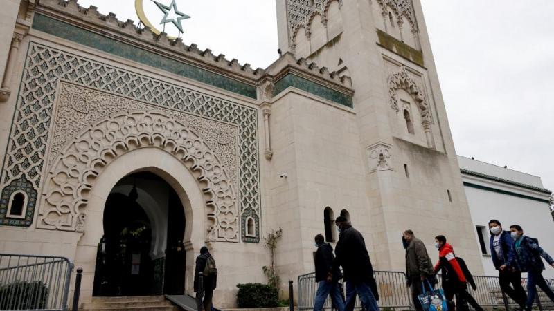 France : une loi pour défendre les principes de la République qui cache mal son obsession de l'islam