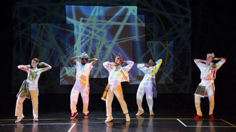 Suresnes Cités Danse : « Cercle égal demi cercle au carré » de Chantal Loïal
