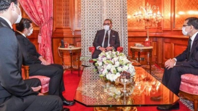 Mohammed VI donne une leçon à Emmanuel Macron sur la gestion de la crise du Covid-19