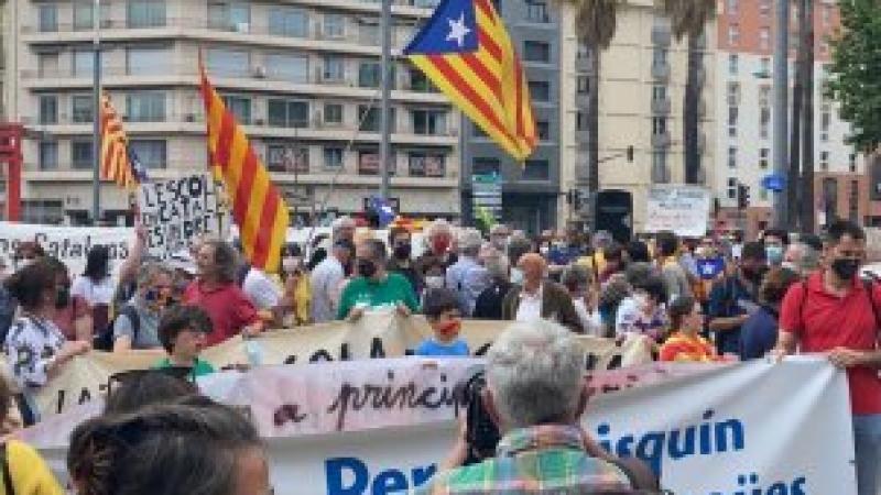 Perpinyà es manifesta a favor de la immersió en català: èxit de convocatòria