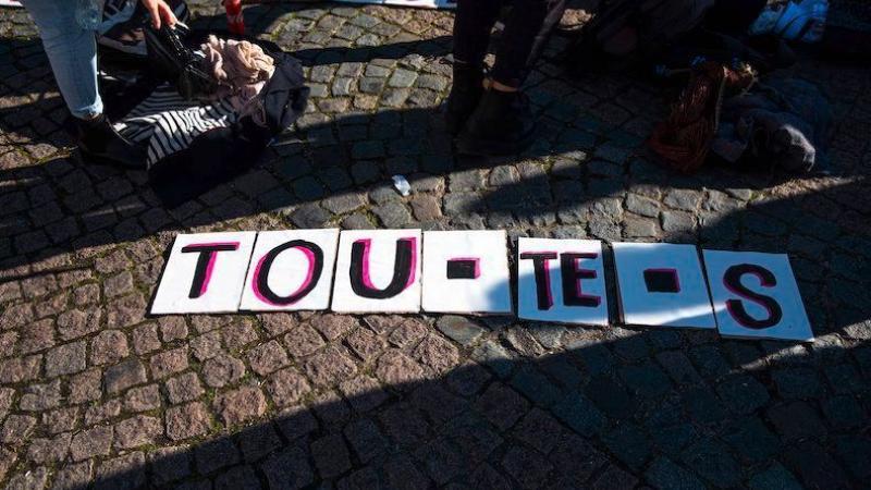 """Une """"écriture excluante"""" qui """"s'impose par la propagande"""" : 32 linguistes listent les défauts de l'écriture inclusive"""