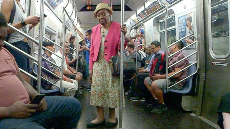 Inspiring 92-year-old doctor treats hundreds of patients each year and still rides the subway to work