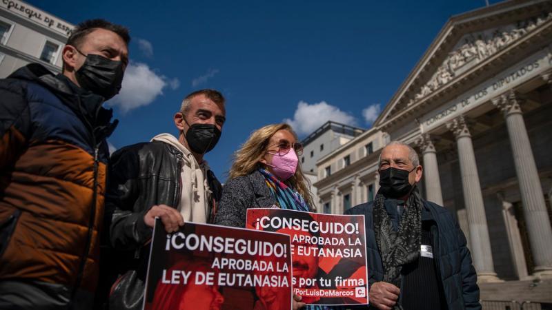 España aprueba la ley de eutanasia y se convierte en el quinto país del mundo en regularla