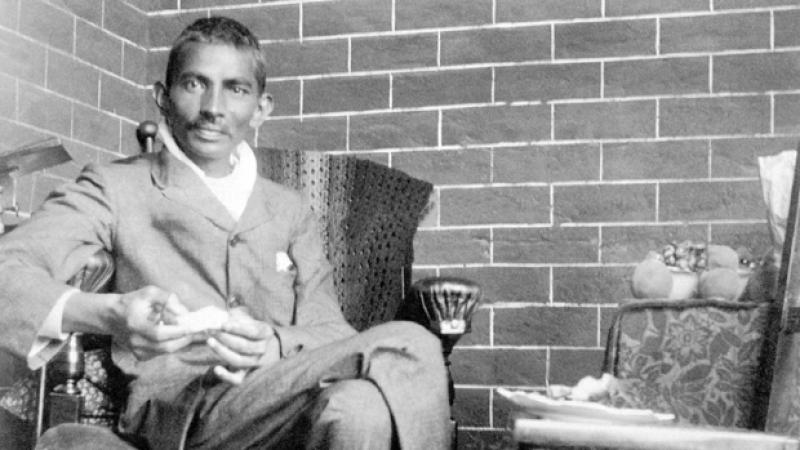 Gandhi le grand mépris des noirs. Textes racistes de Gandhi...