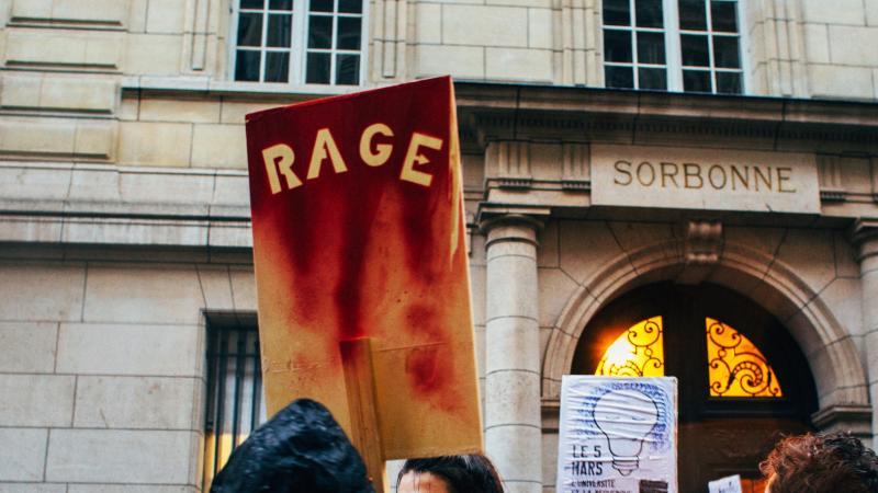 « Bientôt nous ne pourrons plus du tout » : une universitaire répond à Frédérique Vidal