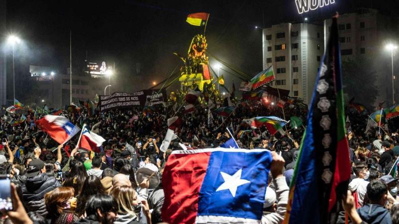 Référendum au Chili : un changement de Constitution plébiscité
