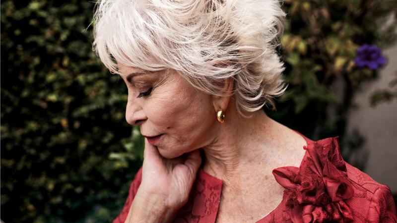 """Isabel Allende: """"Me arrepiento de no haberme acostado con alguien por mojigata"""""""