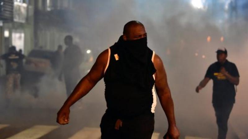 Violents affrontements à Cayenne lors de la visite de Macron