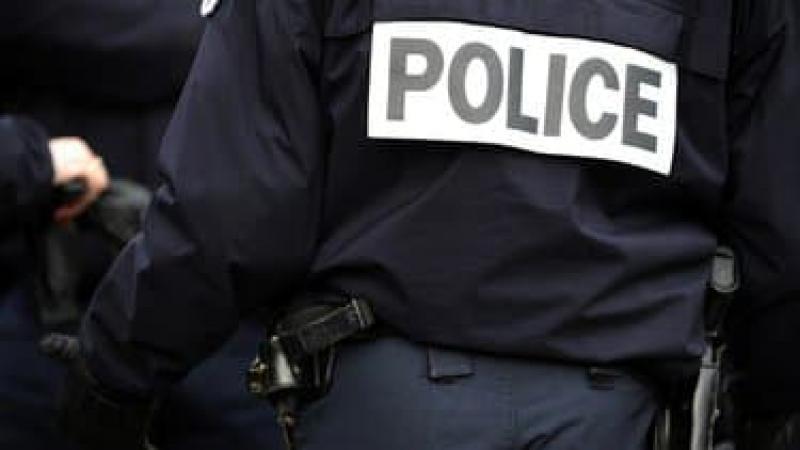 """Un agent de police n'est pas un """"officier de police""""  !"""