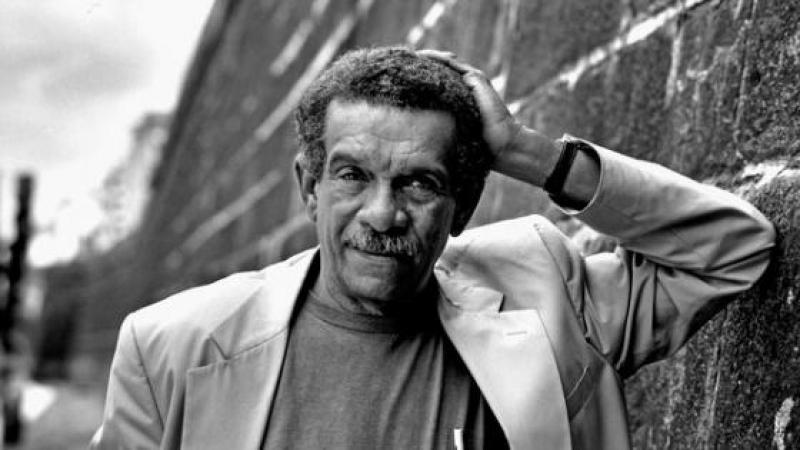 Derek Walcott and the Peculiar Disturbance of His Poetry