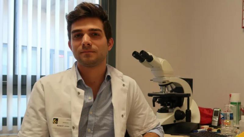 Johan, médecin hospitalier à Niort : bac + 11 et rémunéré 2.200 € nets par mois