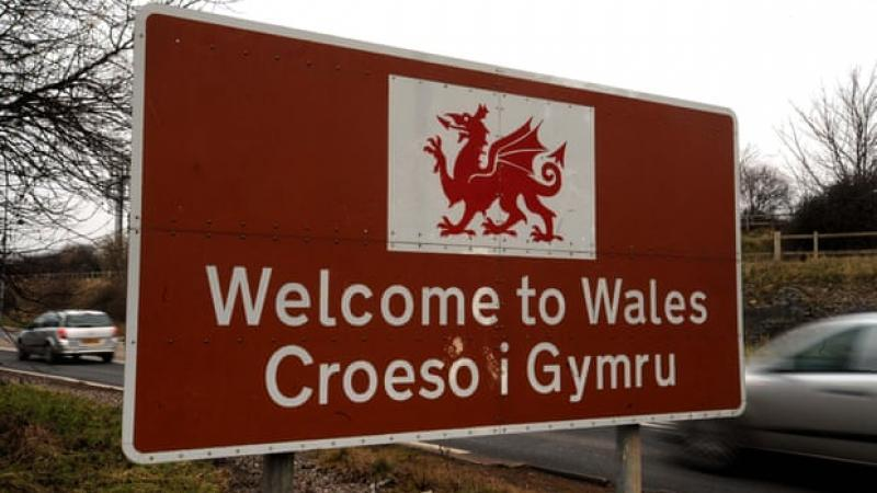 HSBC tells Welsh customer not to complain in 'foreign' language