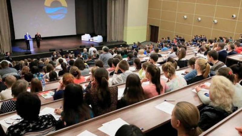 Quand un prof d'université banalise les violences faites aux femmes