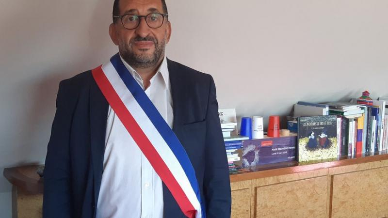 """""""Sale bougnoule"""", """"voyou"""", """"je vais te crever"""" : ces maires de Seine-Saint-Denis victimes de racisme"""