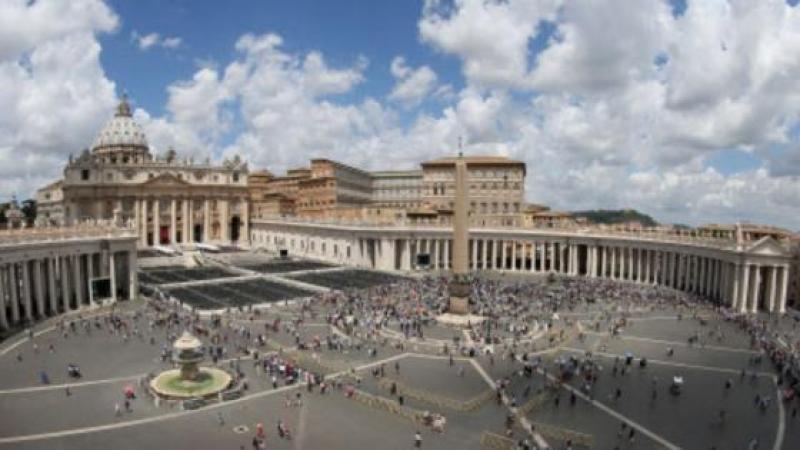 Vatican: Partouze et drogue chez le secrétaire d'un cardinal conseiller du pape François
