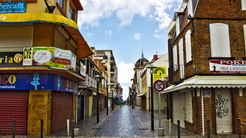Des maires de l'Hexagone prennent des arrêtés autorisant l'ouverture des petits commerces, qu'attend celui de Foyal ?