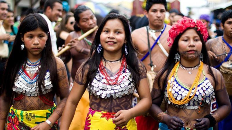 Pour échapper au virus, les Amérindiens retournent à la forêt