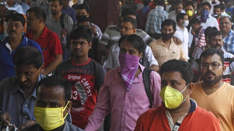 Le verrouillage de l'Inde et de 1,3 milliard d'habitants enclenche une tragédie humaine