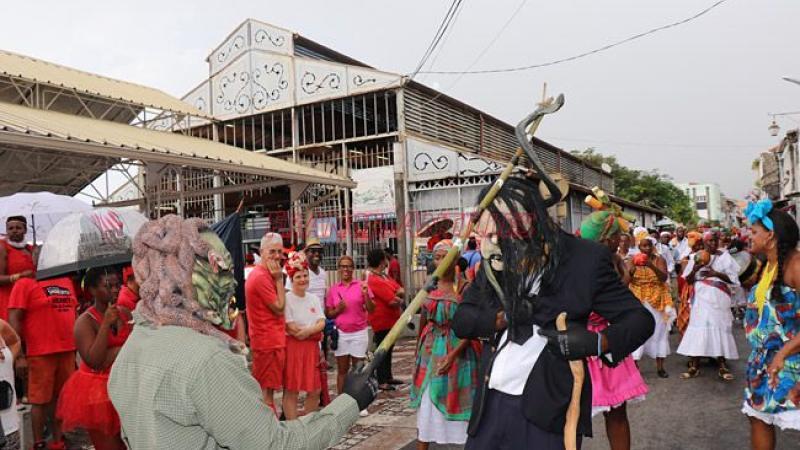 CAMPAGNE DES MUNICIPALES : PARFOIS CA VOLE TRES BAS