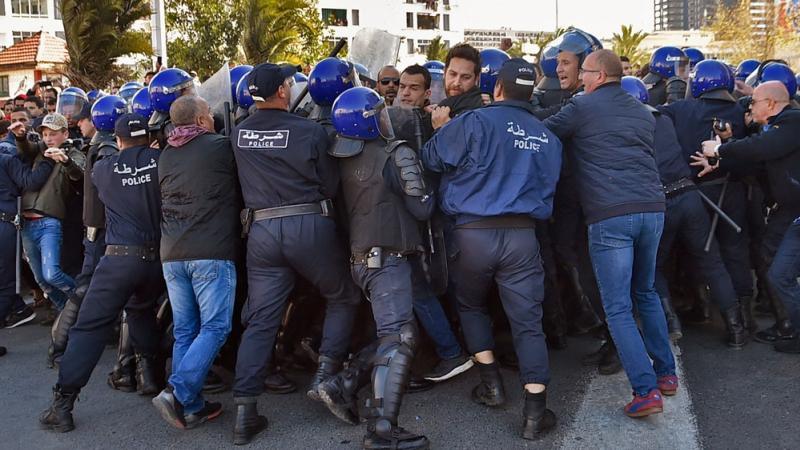 Omar Benderra : quelques clés pour comprendre les manifestations du 22 février 2019 en Algérie