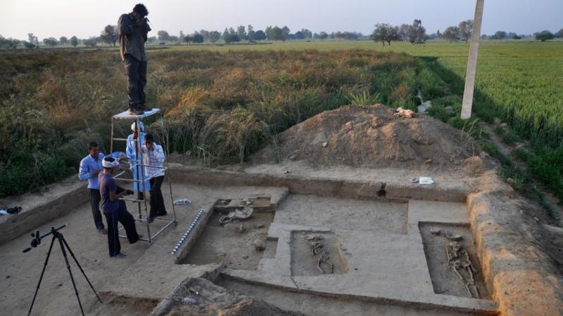 Inde: à Rakhigarhi, une découverte archéologique qui chamboule tout