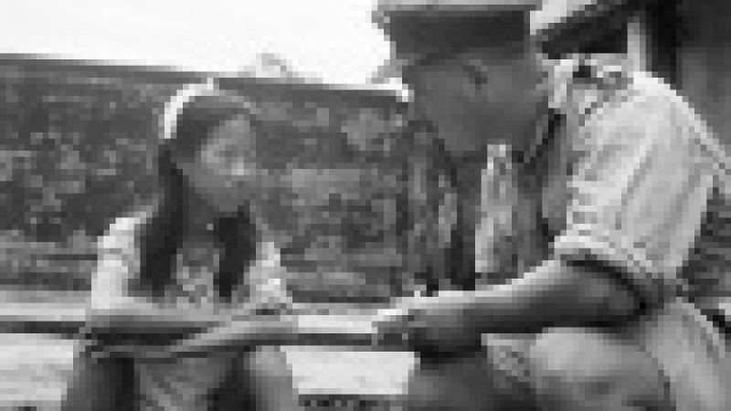 TOURISME SEXUEL: CONDOLEEZZA RICE VIT DANS UNE MAISON DE VERRE